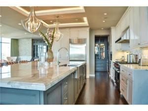Stainless appliances, comm. grade oven